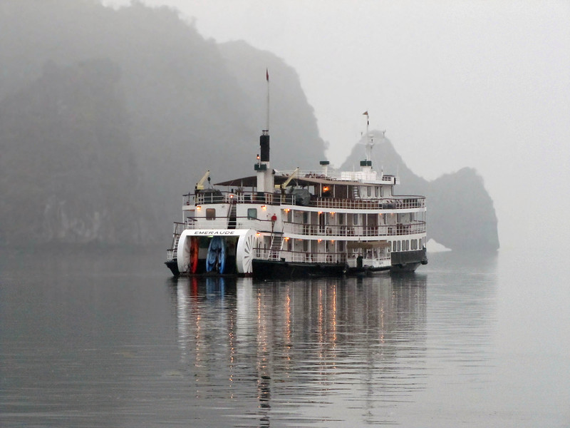71-The Emeraude in the morning mist
