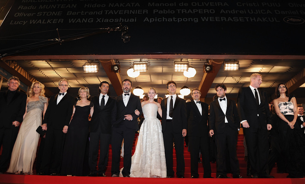 """. CANNES, FRANCE - MAY 20: The cast and crew depart the \""""Fair Game\"""" Premiere at the Palais des Festivals during the 63rd Annual Cannes Film Festival on May 20, 2010 in Cannes, France.  (Photo by Michael Buckner/Getty Images)"""