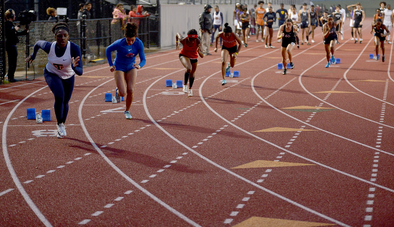 HS-Track-13-6A-District-Championships_033.jpg