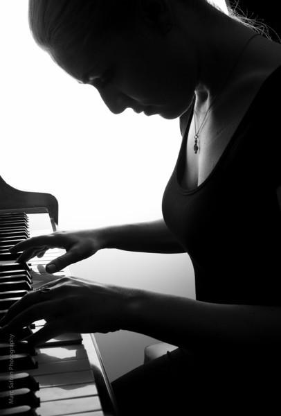0412_Aliona_Piano-13.jpg