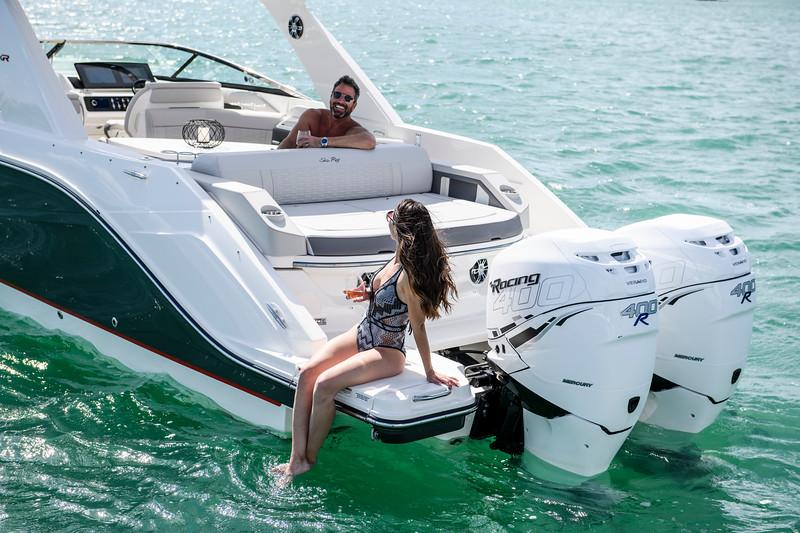 2020-SLX-R-310-outboard-lifestyle-23.jpg