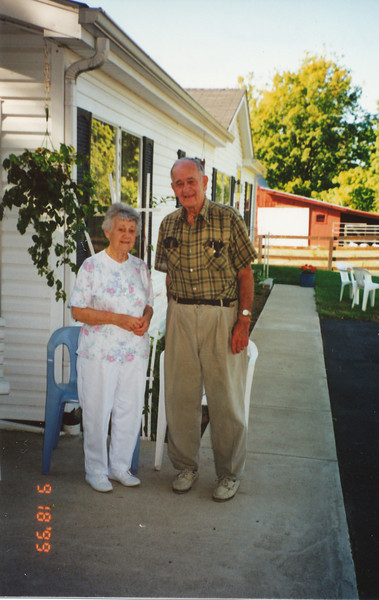 Birdena Neher & Ellis Sullivan (First Cousins).jpg