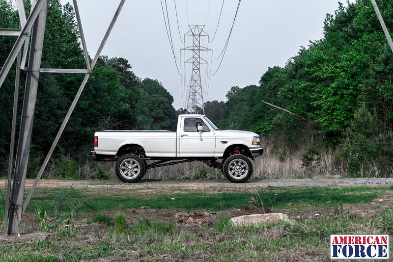 SDP-Kreg-O'Hara-White-1997-Ford-F250-24x12-Legend-@streetdieselperformance-170429-DSC05914-59.jpg