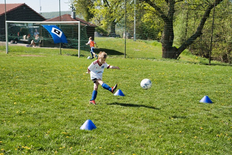hsv-fussballschule---wochendendcamp-hannm-am-22-und-23042019-w-61_46814456965_o.jpg