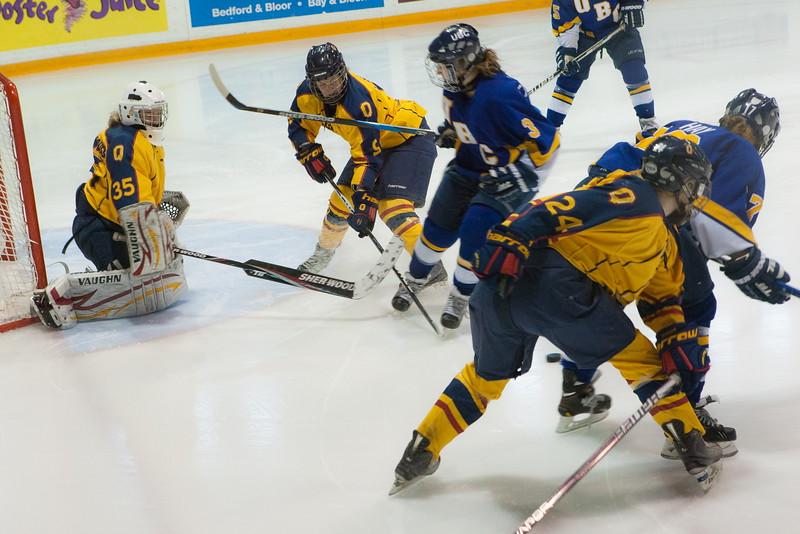 20130310 QWHockeyvsUBC 198.jpg