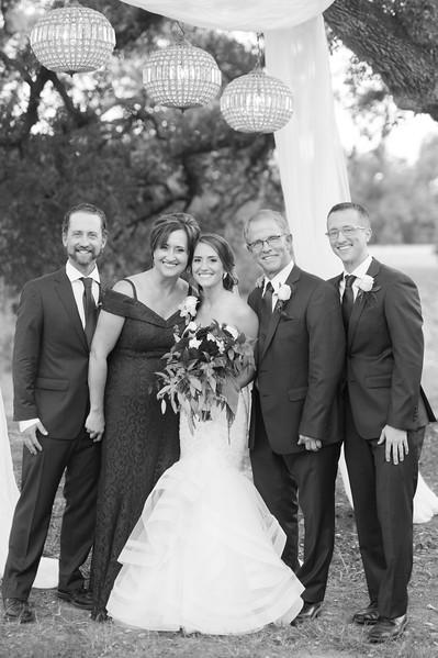 Alexa + Ro Family Portraits-44.jpg
