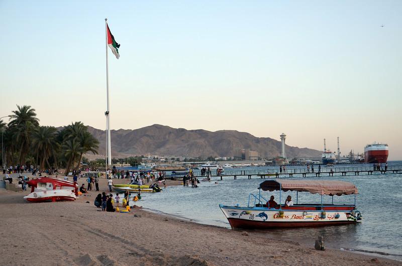 DSC_9772-aqaba-city-beach.JPG