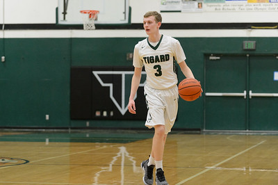 TIgard High School Boys Varsity Basketball vs Roseburg