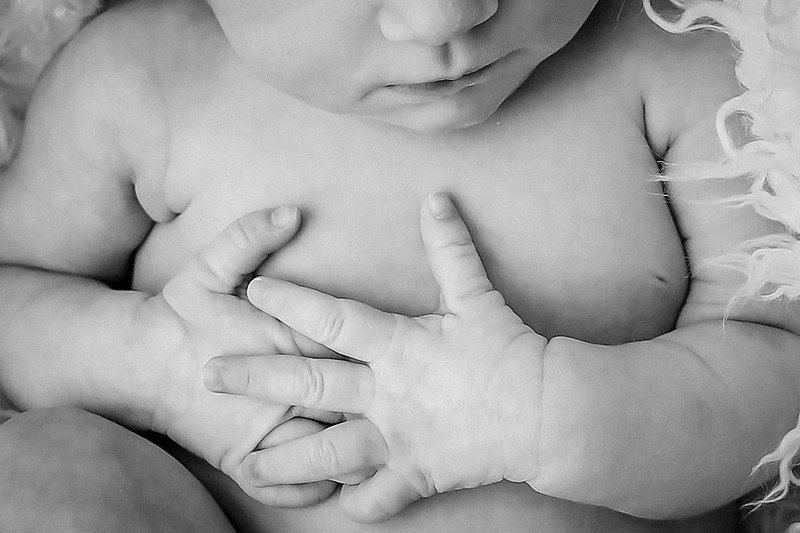 bw_newport_babies_photography_hoboken_at_home_newborn_shoot-2-2.jpg