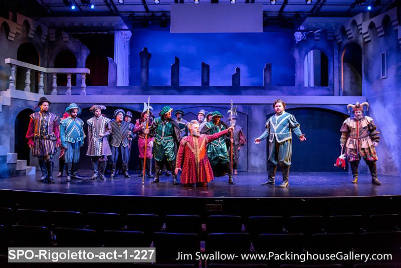 SPO-Rigoletto-act-1-227.jpg