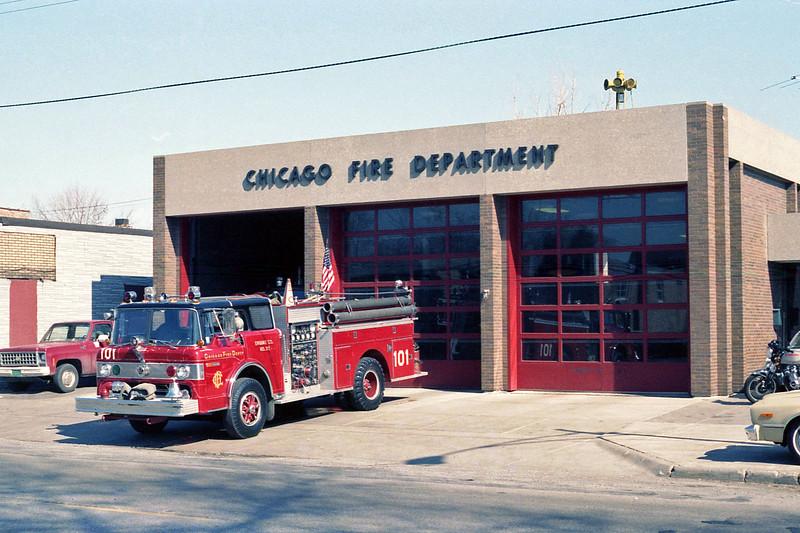 CHICAGO  ENGINE 101  FORD C8000 - PIERCE.jpg