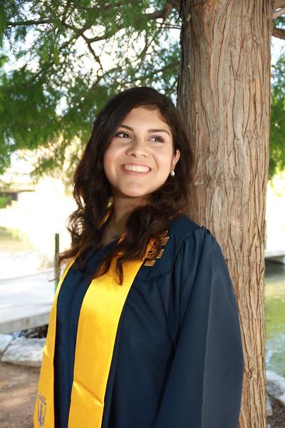 Jasmine Graduation Shoot