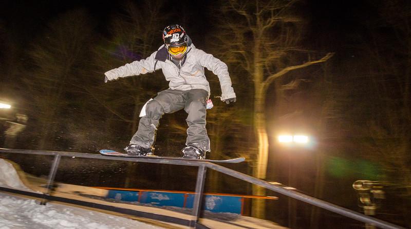 Nighttime-Rail-Jam_Snow-Trails-147.jpg