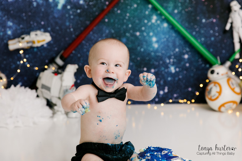 Oliver-1stBday-Low-Resolution370A2189-Edit_.jpg