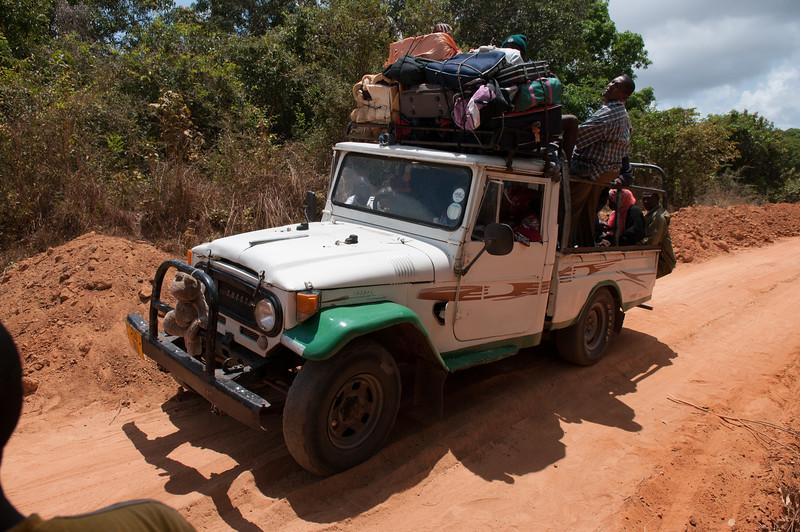 2010-45 Border Tanzania and Mozambique. Travel.