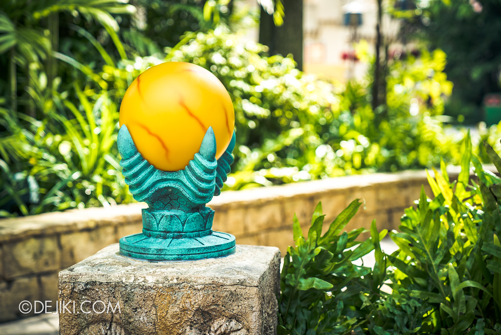 Universal Studios Singapore Park Update - Jurassic World Explore and Roar at Jurassic Park zone refurbished amber lamp