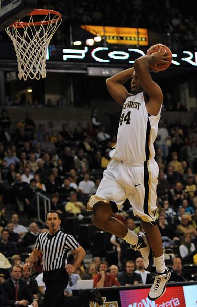 Weaver dunk 01.jpg