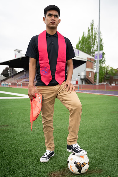 1905_15_efrain_senior_pictures-03637.jpg