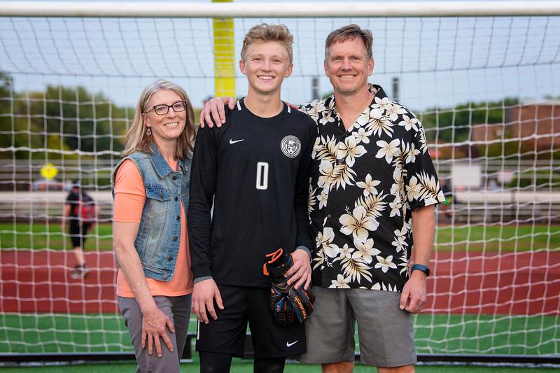 WBL Boys HS Soccer Player/Parent pictures 2020