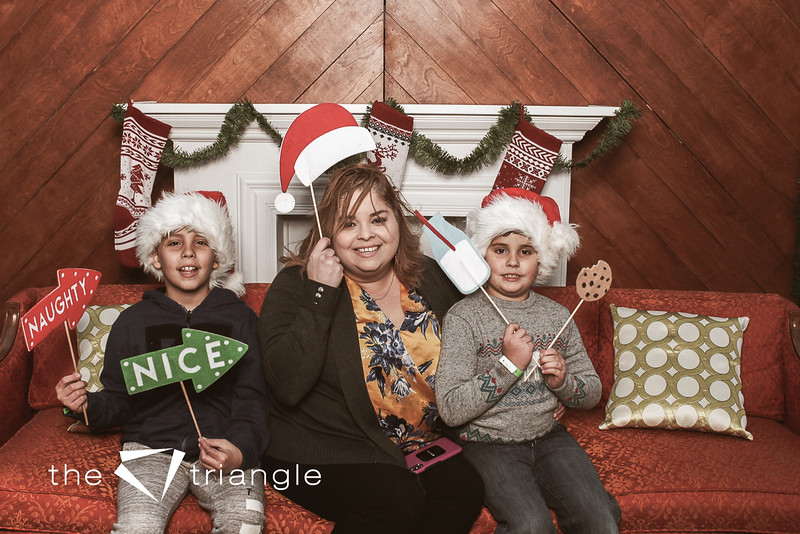 awkward-family-photo-booth-031.jpg