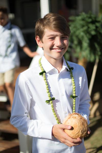 gillin beach kauai wedding-54.jpg