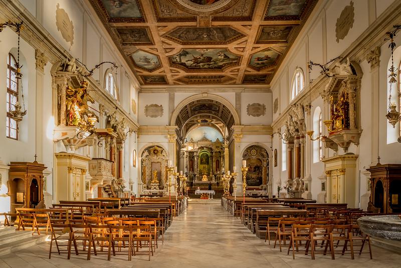 Spaziergang in Piran: Im Innern der Georgskirche
