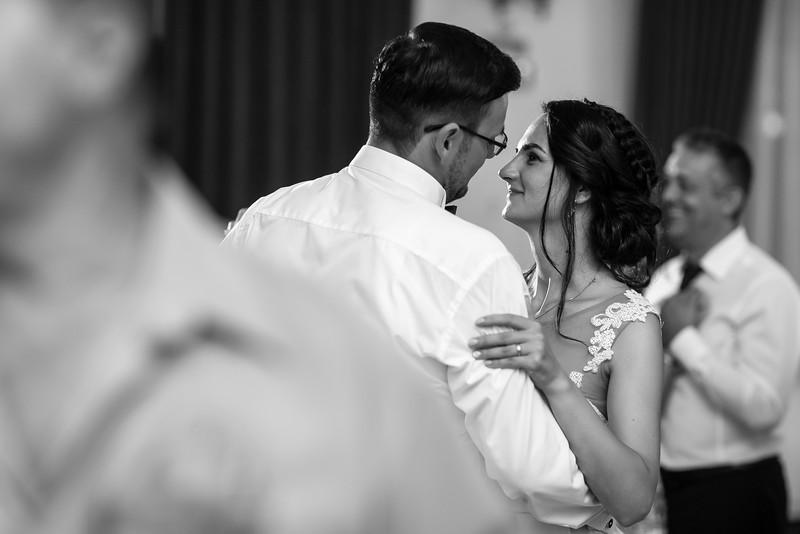 Roxi&Vasi-wedding-previews-52.jpg
