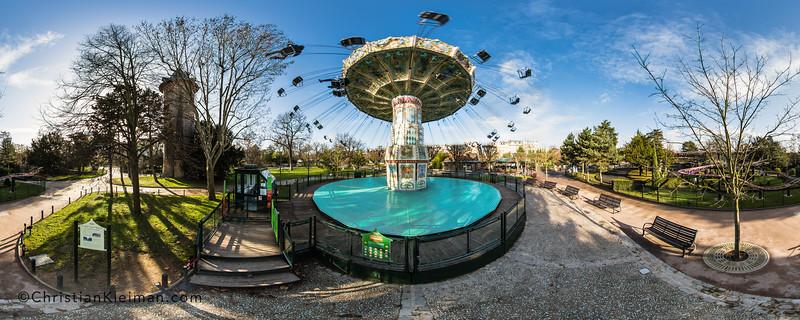Les Chaises Volantes - Le Jardin d'Acclimatation