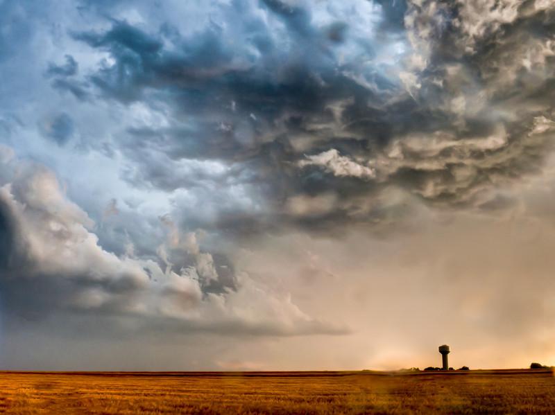 Thunderstorm near Colwich, Ks.