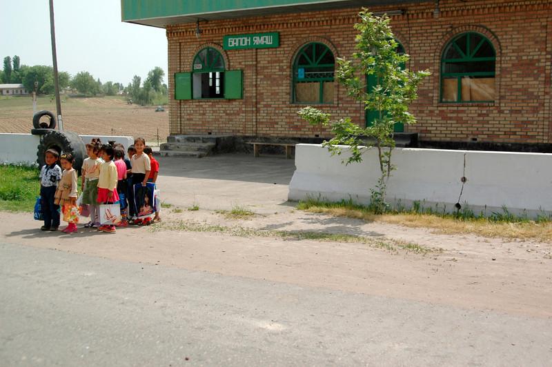 050427 3880 Uzbekistan - Samarkand - Road Trip to Tashkent _D _E _I ~E ~L.JPG