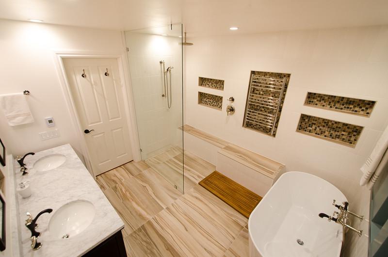 modern-glass-bathroom-008.jpg
