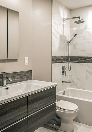 Residential Bathrooms - Salles de Bain Résidentielles