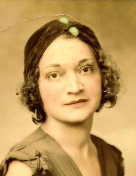 Elizabeth Bozzelli color 1932.JPG