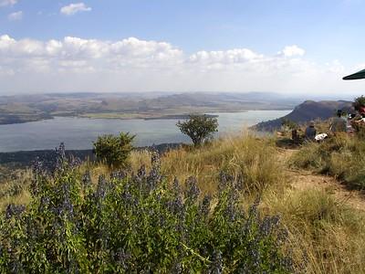 Johannesburg Haarteportbees dam the UPmarket getaway golf and boating hub 30min drive away
