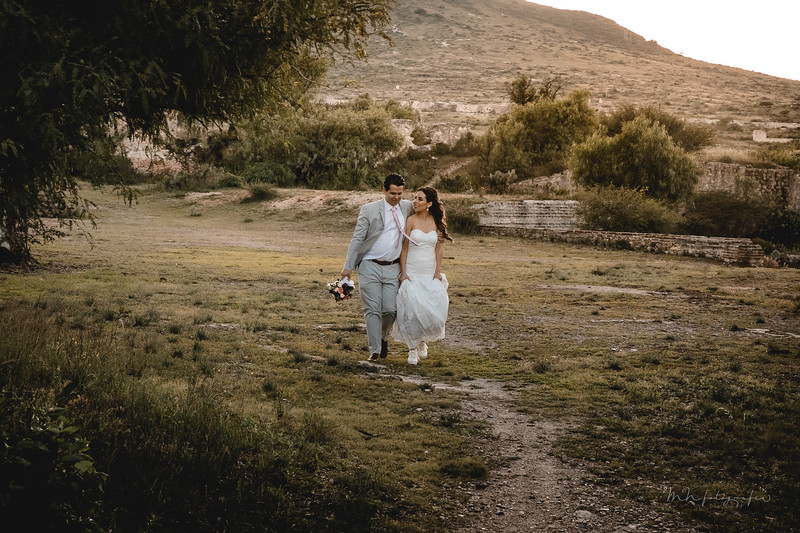 P&H Trash the Dress (Mineral de Pozos, Guanajuato )-15.jpg