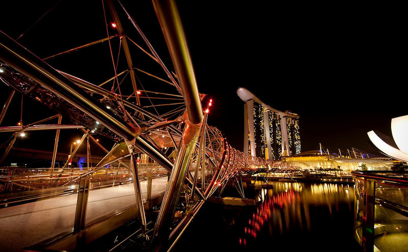 Pathway to Marina Bay Sands, 2012 April