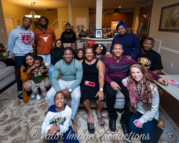 ©2019 Valor Image Productions Thankgiving Eve-14581.jpg