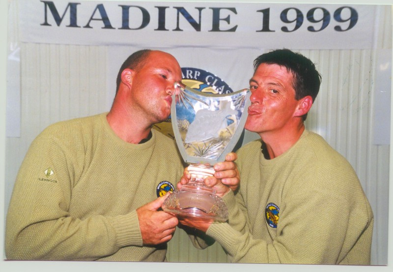 WCC99-Pic - Winners kissing trophy