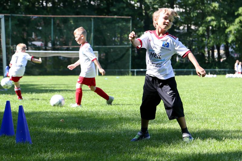 hsv_fussballschule-177_48048031537_o.jpg