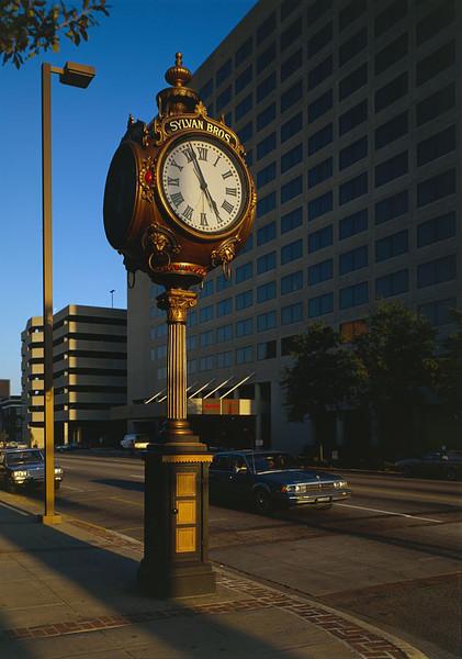 Columbia Street Clock.jpg