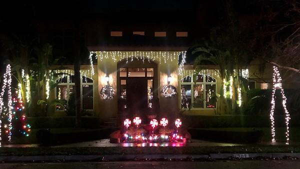 Christmas Lights in Willow Glen, Dec 24, 2019