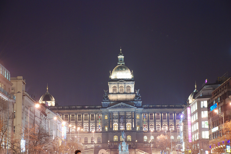 Good King Winselas Square at Night 1.JPG