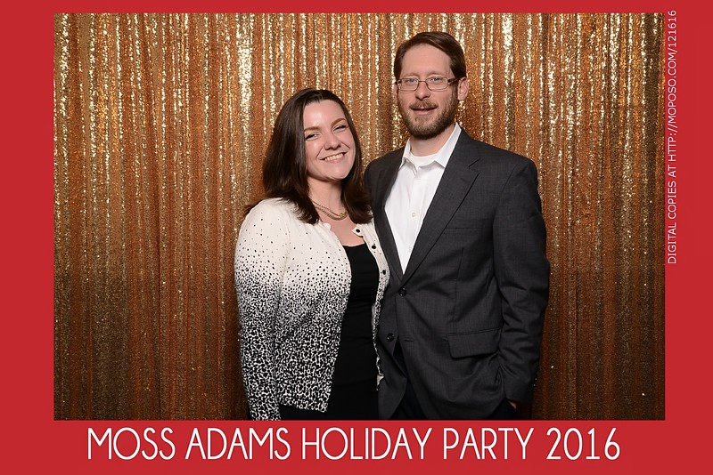 20161216_MOPOSO_Tacoma_Photobooth_MossAdamsHoliday16-5.jpg