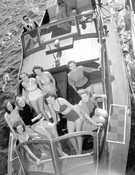 Several of Suzanna Saunders' models in a speedboat at Gibbs Shipyard in 1946. Courtesy of State Archives of Florida, Florida Memory, http://floridamemory.com/items/show/65844