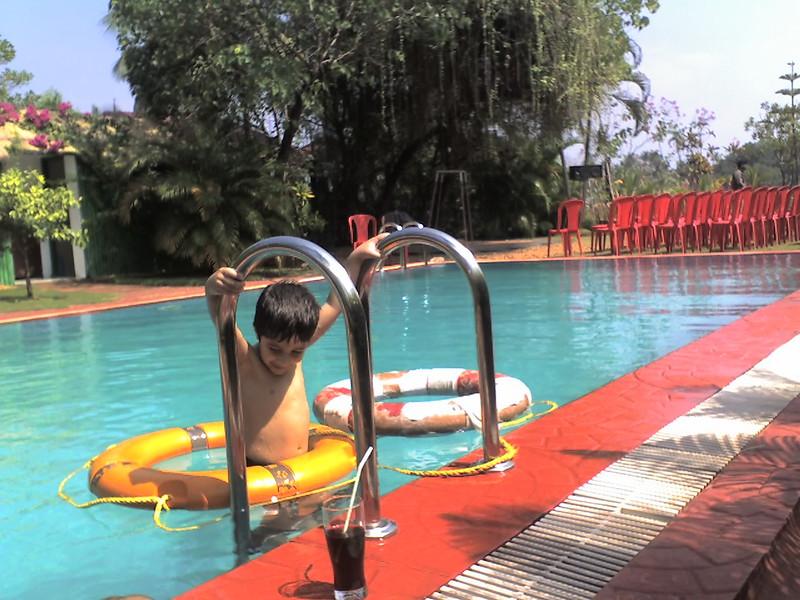 21-01-07g pool.jpg