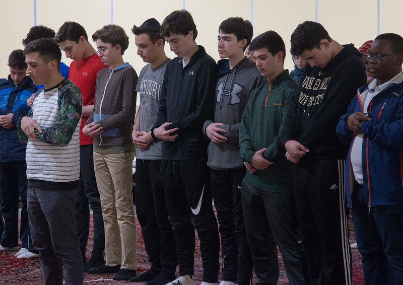 Beth El 8th grade Upper School students visited the Islamic Center mosque in Rockville, Feb 21, 2017