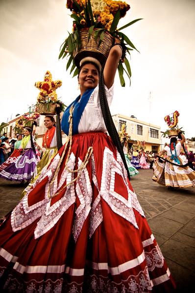 Chinas Oaxaqueñas - Guelaguetza - Oaxaca, Mexico