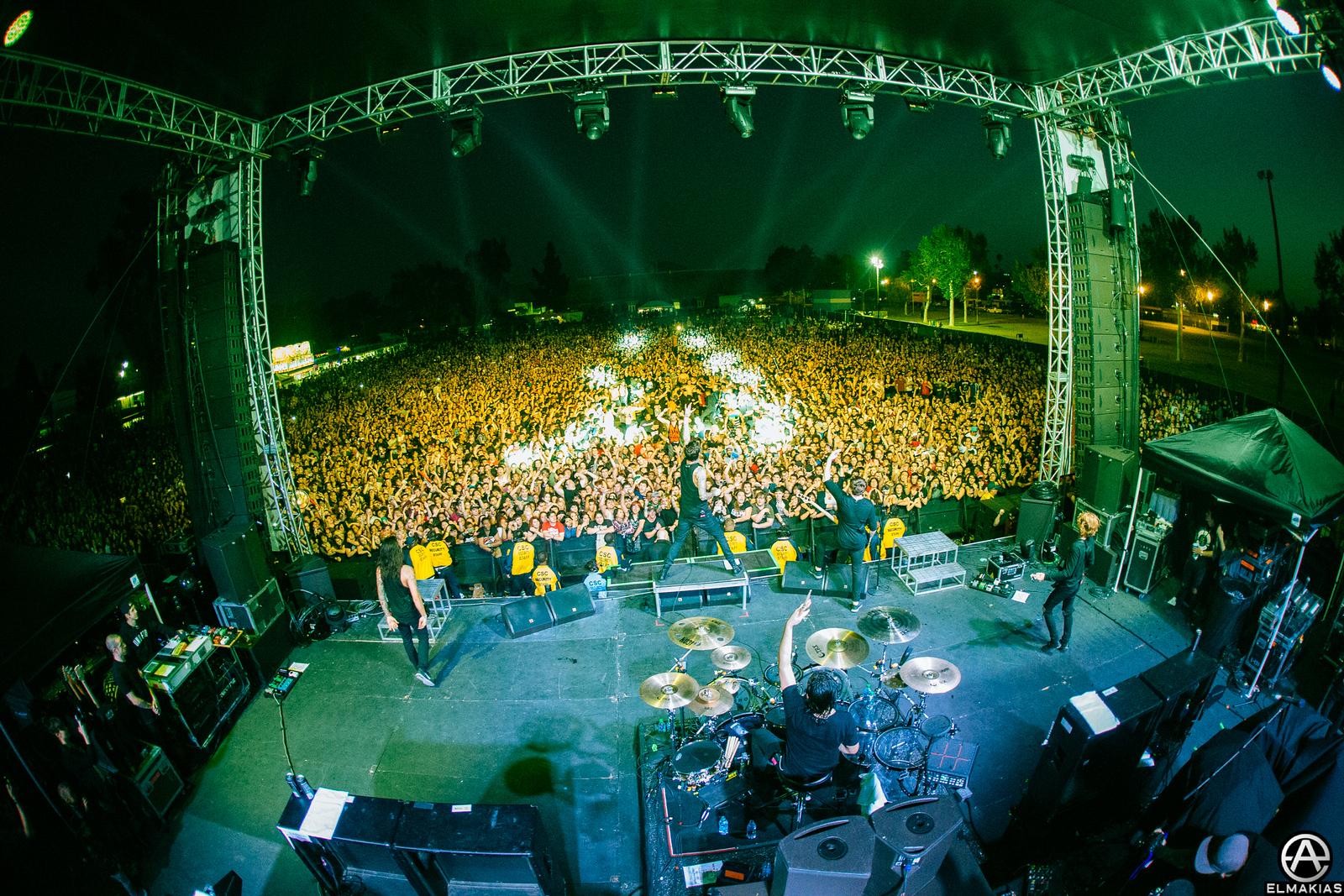 Of Mice & Men big crowd ayyy