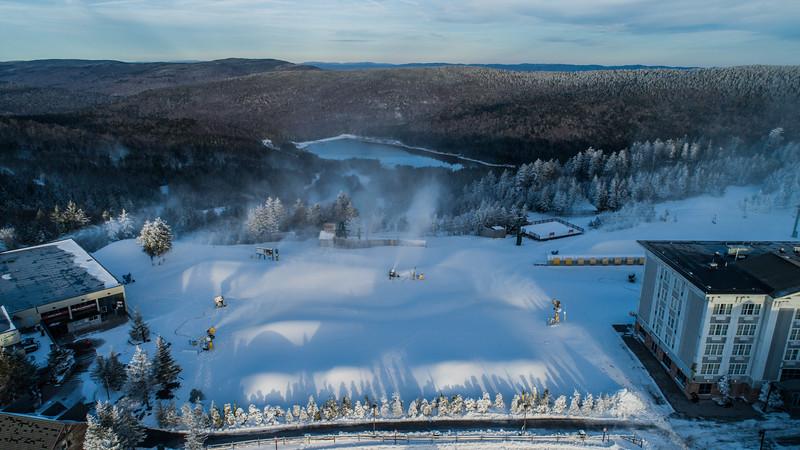 Snowmaking 1920-0018.jpg