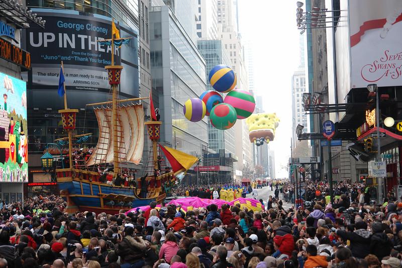 PIRATE SHIP Macy's Thanksgiving Parade 2009 in Manhattan